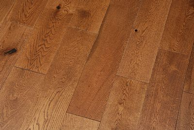 125mm Oak 'nutmeg' UV oil eng.
